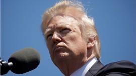 Jeesus sanoo... Donald etenee hyvin suunnitelmallisesti...